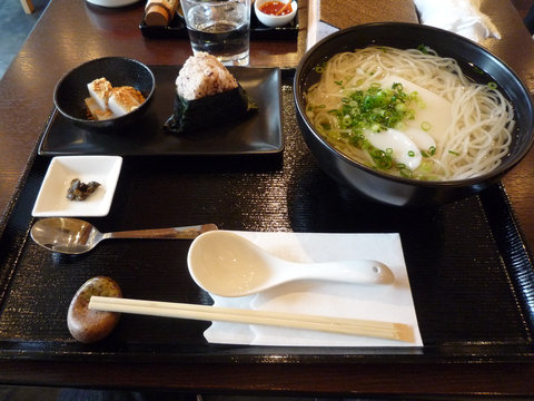 かけうどん+おもち(大盛り、ランチセット)@SeaSonerS(渋谷)