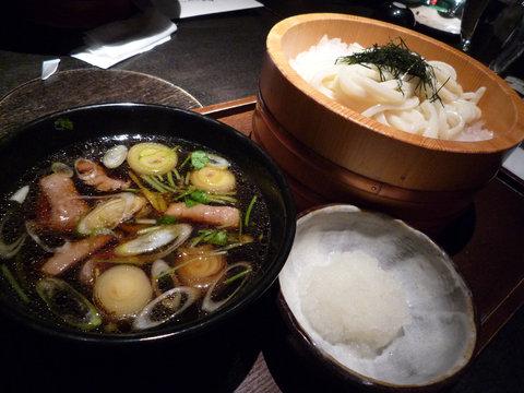 鴨汁うどん(冷)+大根おろし@つるとんたん 新宿店(新宿)