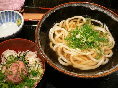 かけうどん+ネギトロ丼@さぬ吉(田町)
